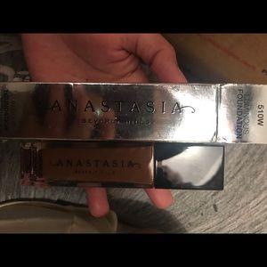 Anastasia Beverly Hills luminous foundation